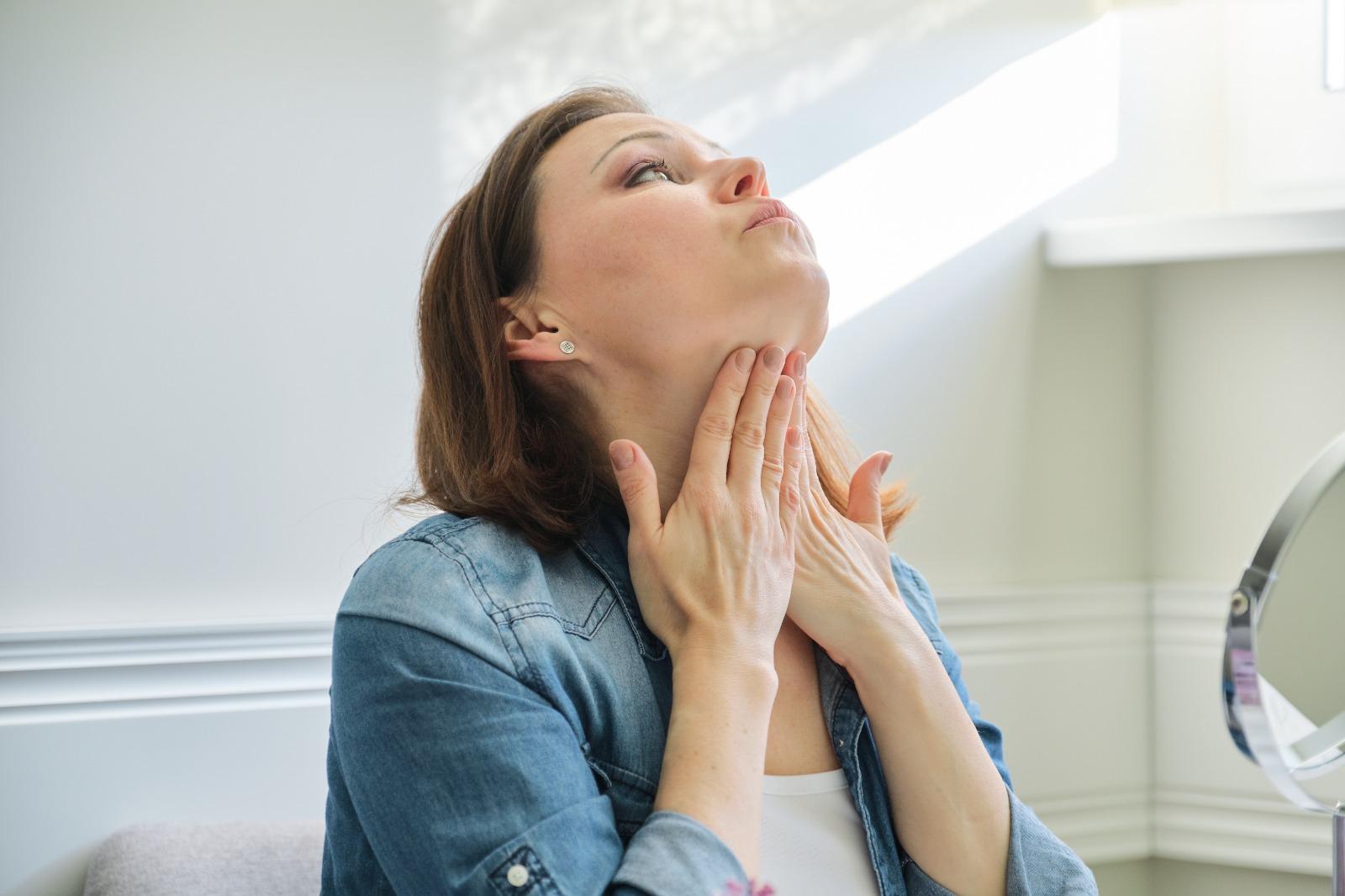 מתיחת צוואר ללא ניתוח הרבה יותר פשוט ממה שחושבים