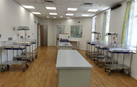 מחלקת יולדות חדשה ותינוקייה מתקדמת בביקור חולים