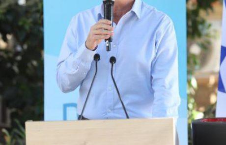 שר הבריאות אדלשטיין בתצוגת טכנולוגיות חדשות להתמודדות עם הקורונה